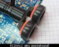 Zdjęcie przestawia opony Mini-Z w zastosowaniu jako ogumienie robota kategorii Micro Mouse